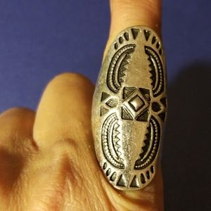 SILVER THICK HALF FINGER RING